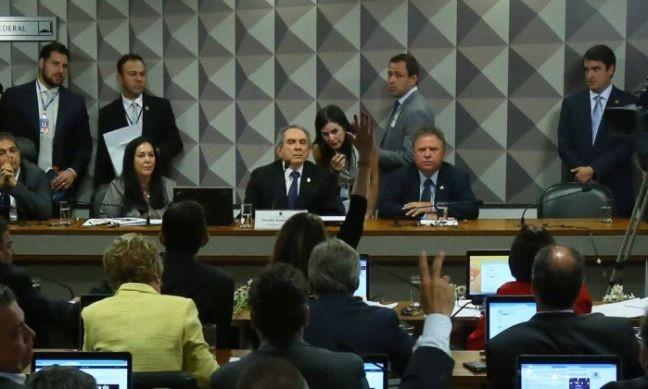 Comissão especial do impeachment no Senado realiza reunião de instalação e eleição do presidente e do relator (Foto: Ailton de Freitas / Agência O Globo)