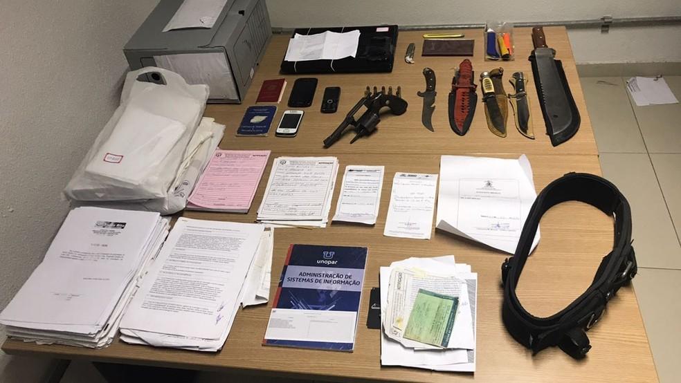 Terceira fase da Operação Gabarito cumpriu 16 mandados de busca e apreensão de documentos relacionados à quadrilha investigada (Foto: Lucas Sá/DDF - João Pessoa)