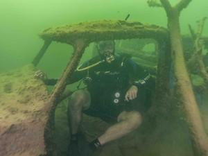 Mergulhadores encontraram ruínas de veículos no 'Velho Chico' (Foto: Arquivo Pessoal/Luiz Netto)