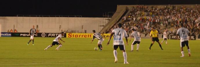 Árbitro relata em súmula que não recebeu taxa do jogo Botafogo-PB x Treze pela Série C do Brasileirão
