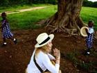 Madonna aparece em foto com filhas gêmeas adotivas: 'Coração quente'