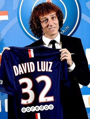 David Luiz apresentado no PSG (Foto: AFP)