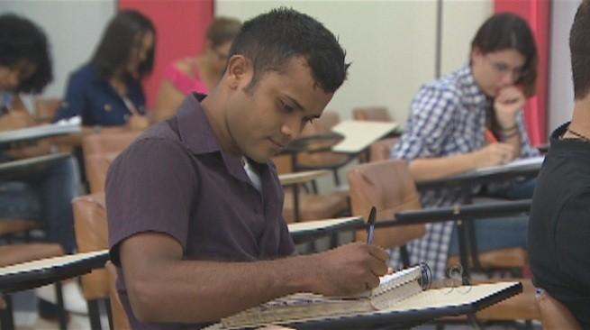 Alunos se preparam para concursos públicos em Porto Velho (Foto: Bom dia Amazônia)
