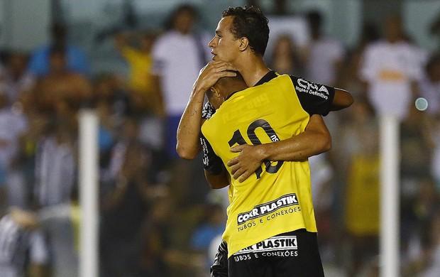 Damião e Geuvânio Santos (Foto: Ricardo Saibun / Divulgação SantosFC)
