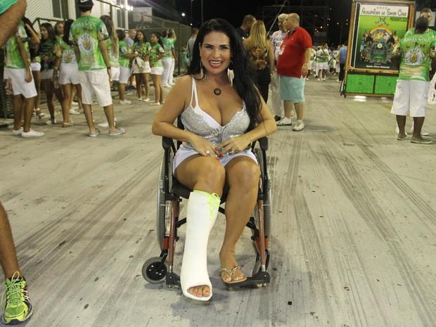 Solange Gomes em ensaio técnico da Santa Cruz na Marquês de Sapucaí, no Centro do Rio (Foto: Divulgação)