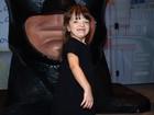 De preto, Rafa Justus marca presença em mais uma festa de aniversário