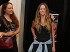 Erika Mader e mais famosos vão ao teatro no Rio