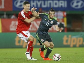 Gareth Bale em ação pela seleção de País de Gales contra Áustria (Foto: REUTERS)