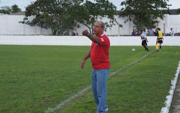 Neto Maradona, técnico do Santa Cruz (Foto: João Neto)