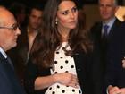 Kate Middleton exibe barrigão em evento nos estúdios da Warner Bros