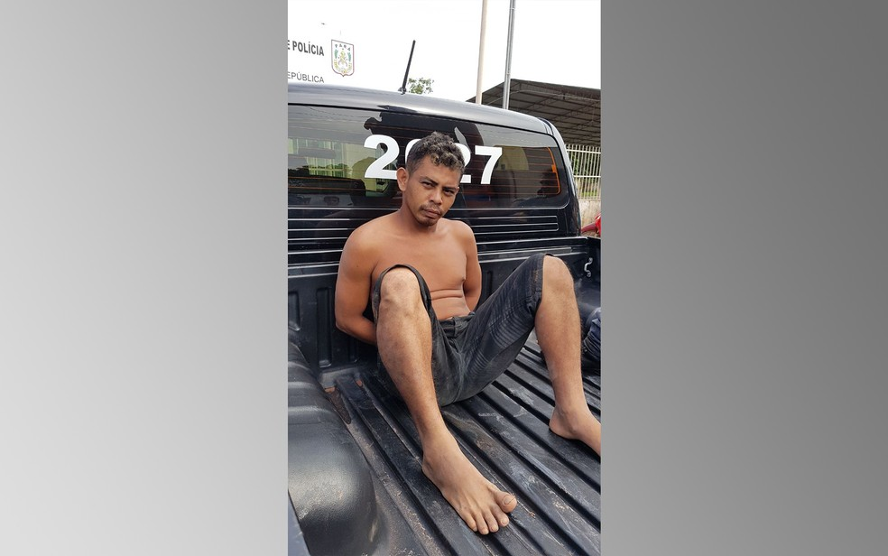 Homem foi preso nesta quarta-feira (10) no bairro Nova República (Foto: Bena Santana/Rádio 94 FM)