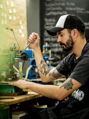 Ele pretende continuar a ter empregos diferentes, sem trabalho fixo (Foto: Matheus Pena)