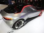 GM mostra esportivo e elétrico, e usa slogan 'das...auto' em Genebra