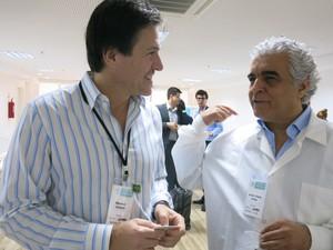 Maurice conversa com dentistas brasileiros (Foto: LG Rodrigues / G1)