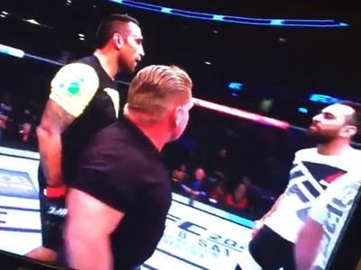 Fabricio Werdum briga com técnico Edmond Tarverdyan (Foto: Reprodução)