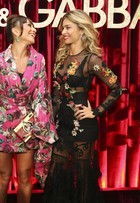 Sabrina Sato e Grazi Massafera posam juntas em festa em São Paulo