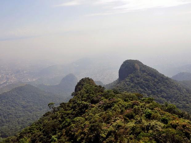 PICO DA TIJUCA – Com 1.022m de altitude, é o segundo ponto mais alto da cidade e o ponto mais alto do Parque Nacional da Floresta da Tijuca. O local é muito procurado por aventureiros, mesmo os iniciantes, já que de fácil acesso.   (Foto: Alexandre Macieira / RioTur)