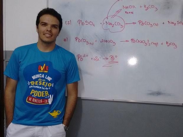 Dedicado nos estudos, Diogo fará o Enem por vaga no curso de Medicina (Foto: Fernanda Zauli/G1)