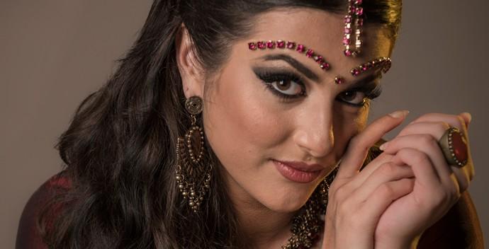 Anaju Dorigon virou Maya d eCaminho das Índias (Foto: Raphael Dias / Gshow)