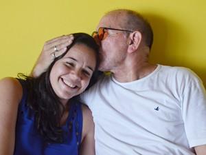 Jullie e Zé trocam carinho (Foto: Dani Fechine/G1)