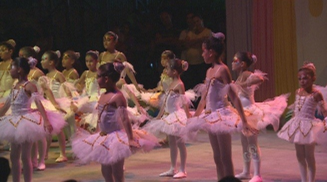 Cerca de 68 meninas integram o grupo de balé (Foto: Amazônia TV)