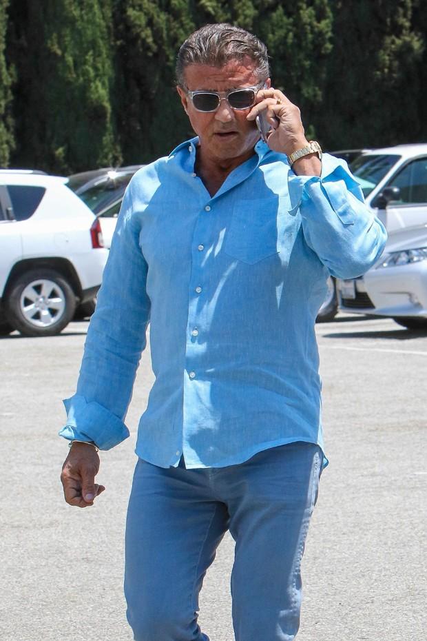 O look de verão de Sylvester Stallone (Foto: AKM-GSI)
