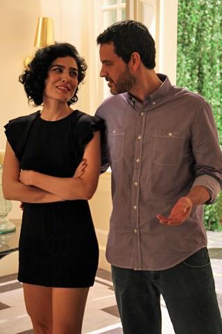 Letícia Sabatella e Bruno Garcia posam para fotos (Foto: Ana Carolina Reis/Globo)