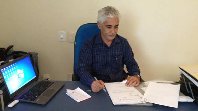 Elinário José de Paiva, secretário da SEMES (Foto: Renato Pereira)