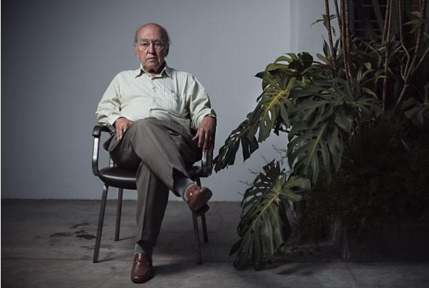 """SEGURANÇA José Afonso da Silva em seu escritório.  """"O Exército não é feito para se envolver com problema policial"""", diz  (Foto: Felipe Redondo/ÉPOCA)"""