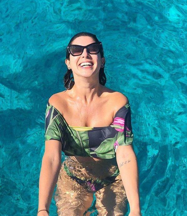 """Fê Paes Leme posta foto em águas cristalinas: """"Eu juro que não é piscina... É mar!"""" (Foto: Reprodução/Instagram)"""