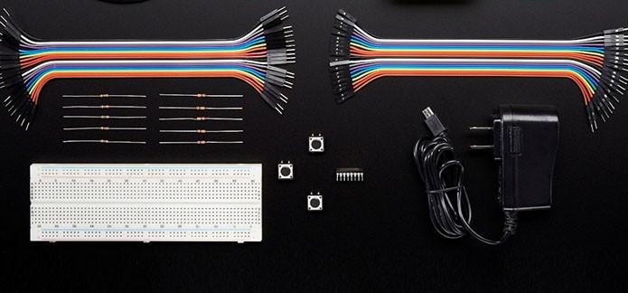 Kit também acompanha sensores e cabos certificados pela Microsoft (Foto: Divulgação)