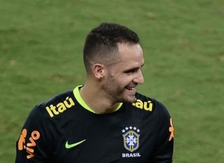 Renato augusto treino seleção natal (Foto: Pedro Martins / MoWA Press)
