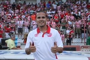 Ronny é o novo atacante do Náutico (Foto: Aldo Carneiro/Pernambuco Press)
