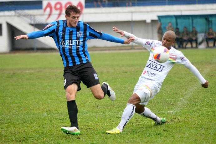 Ianson Atlético Tubarão Brusque (Foto: Maurício Vieira/CA Tubarão)