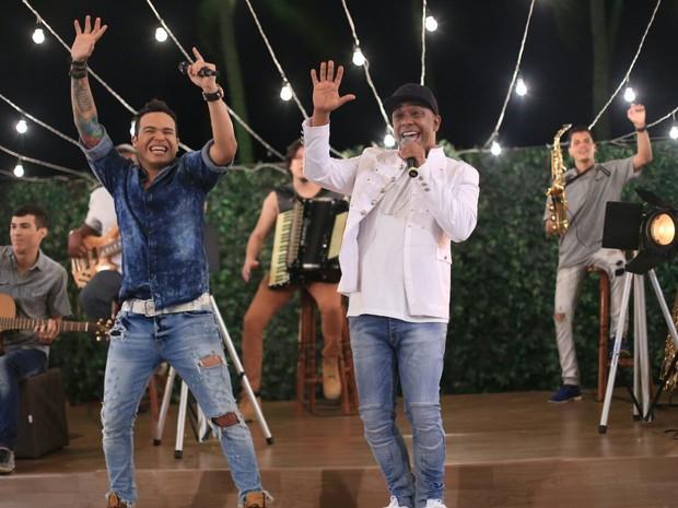 Tierry e Márcio Victor em gravação de DVD em Salvador, na Bahia (Foto: Sercio Freitas/ Divulgação)