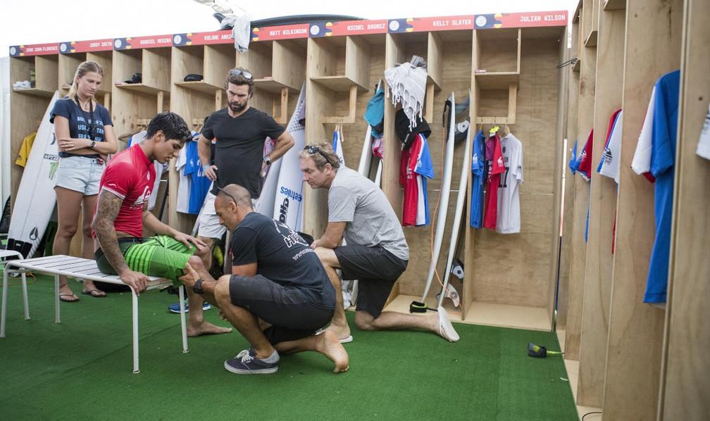 Assim como na Gold Coast australiana, Gabriel Medina usará fita de proteção no joelho direito (Foto: WSL/Kelly Cestari)