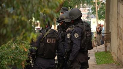 PM invade casa e prende homem que manteve mulher em cárcere no RS