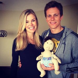 Cesar Cielo e a esposa Kelly Gisch   (Foto: Reprodução / Instagram)