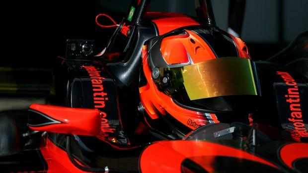 Pietro Fantin, brasileiro da Fórmula 3 Inglesa, corre pela equipe Carlin (Foto: Jakob Ebray/ Divulgação)