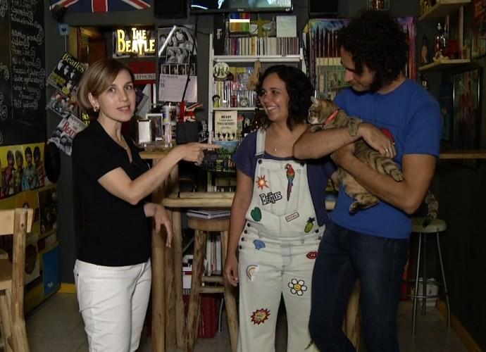 Teresa mostrou um bar temático em Visconde de Mauá, do casal que é apaixonado pelos Beatles (Foto: Reprodução/ Rio Sul Revista )