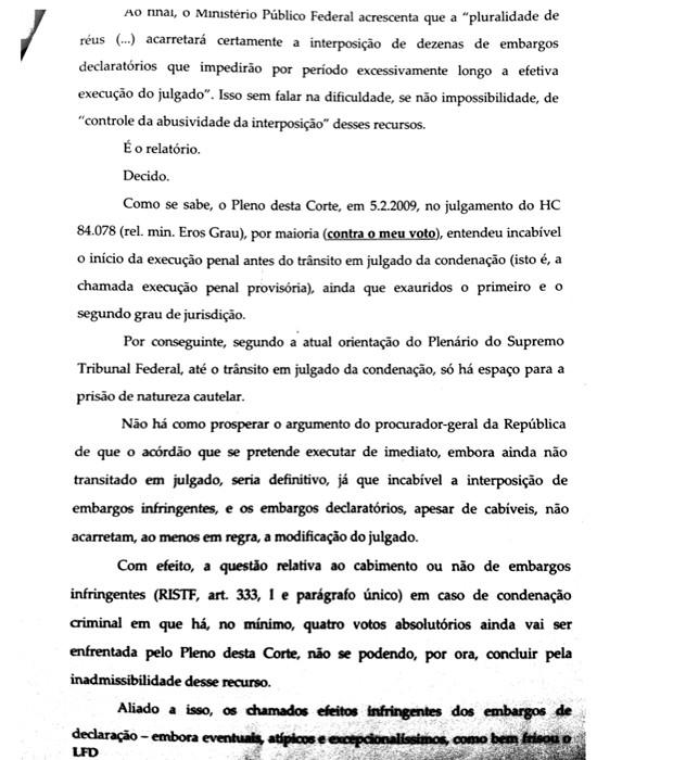 Página 2 da decisão de Joaquim Barbosa sobre o pedido de prisão imediata dos condenados no julgamento do mensalão (Foto: Reprodução)