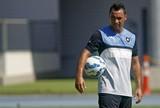 Daniel Carvalho diz precisar de sete ou oito jogos para estar em alto nível