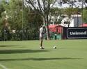 Prancheta à mão: Dida inicia curso de técnico e cumpre observação no Inter