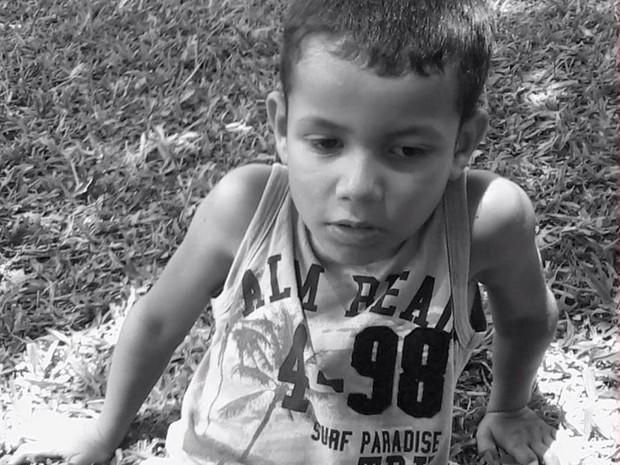 Lorenzo Eula tavares, de 8 anos, está desaparecido  (Foto: Arquivo Pessoal)