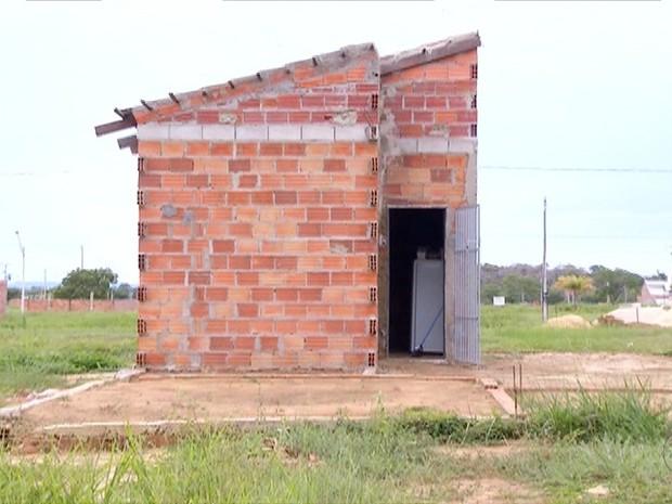 Casa de ex-morador de rua deve ser concluída em dezembro deste ano (Foto: Reprodução/TV Anhanguera)
