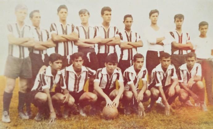 cebc8d2f20 Emerson Leão no início da carreira no Esporte Clube São José (SP) (em