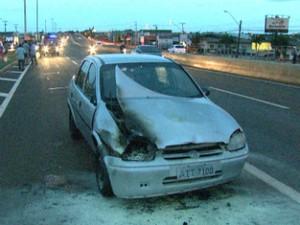 Carro atingiu a pedestre em trecho da PR-445, em Cambé (Foto: Reprodução/RPC)