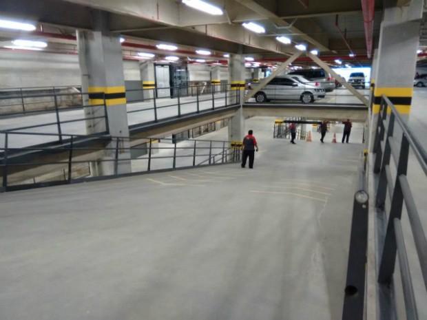 Novo espaço tem estacionamento com 300 vagas para carros (Foto: Maiana Belo/G1 Bahia)