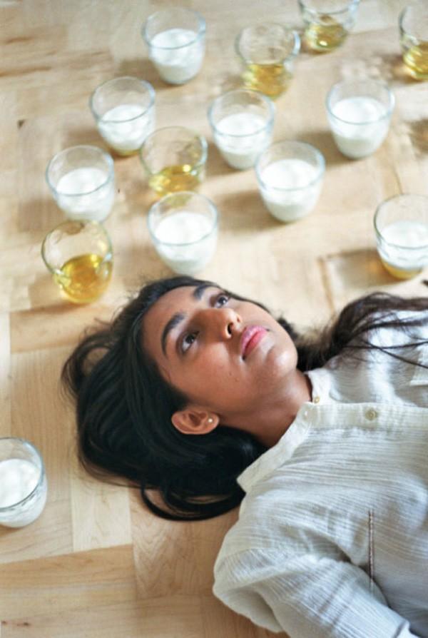 Rupi Kaur: indiana de 24 anos se transformou num fenômeno nas redes sociais  (Foto: Rupi Kaur/Divulgação)