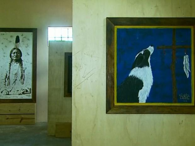 Exposição do artista Daniel Silveira Lopes inaugura Estação Ferroviária de Passos, MG (Foto: Reprodução EPTV)
